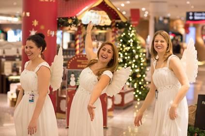 Дух Рождества приходит в аэропорту Франкфурта