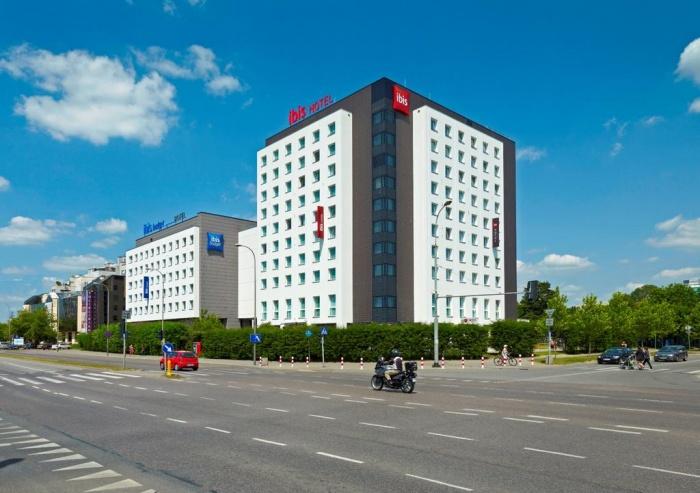 AccorHotels делает $442 млн в Польше
