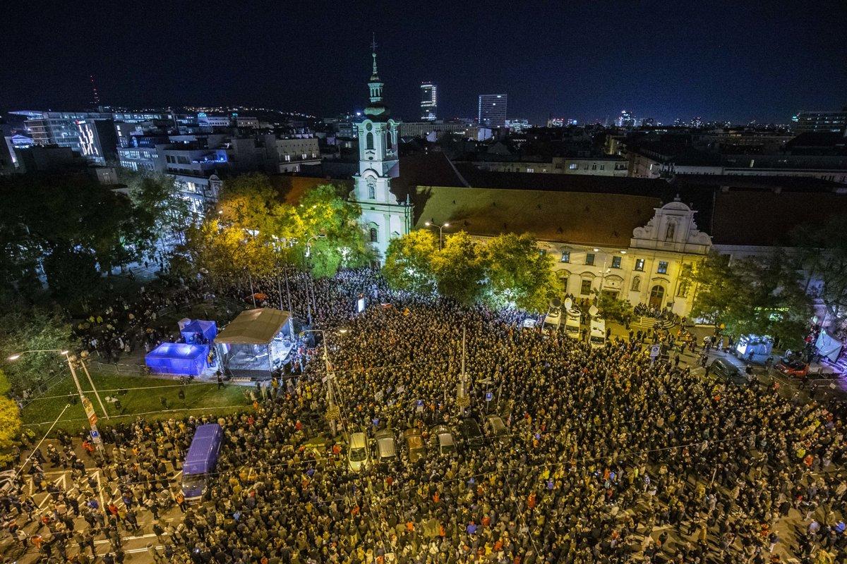 Митинги протеста вернутся в Словакию через год после убийства Кучиака и Кушнировой
