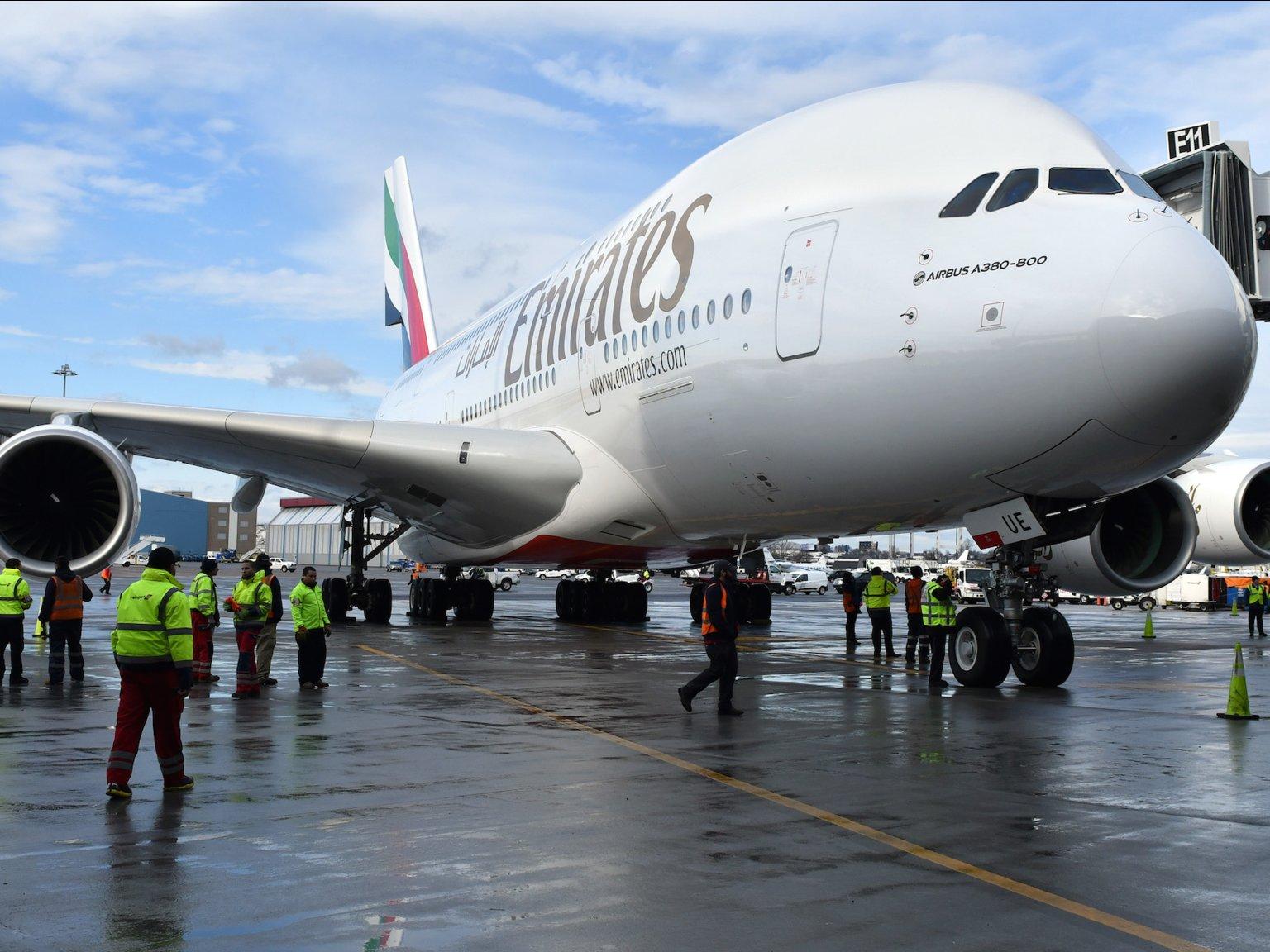 Emirates предлагает перелеты 2 на 1 в Грецию, Бали и более на ограниченное время