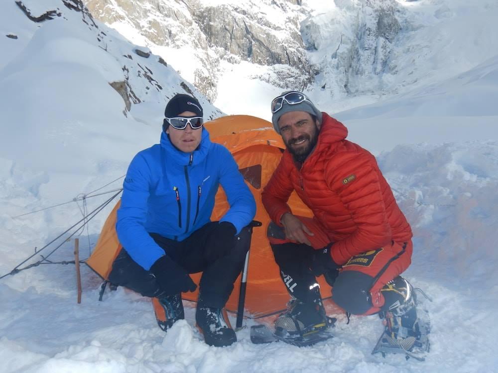 Растут опасения за пропавших в Гималаях итальянских и британских альпинистов
