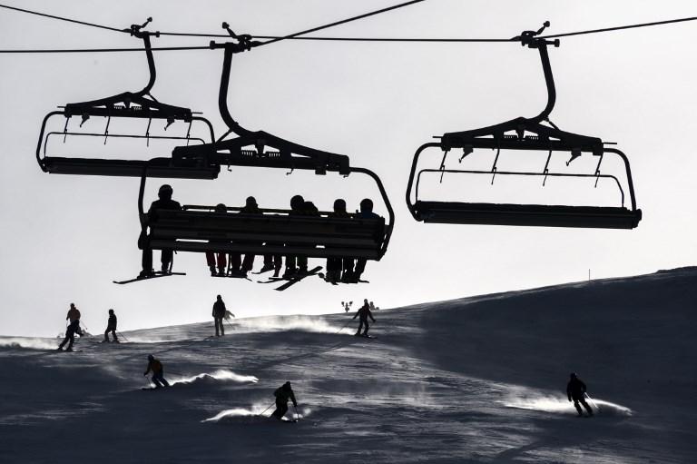 Аномально теплая погода вынуждает швейцарские горнолыжные курорты рано сходить с лавины