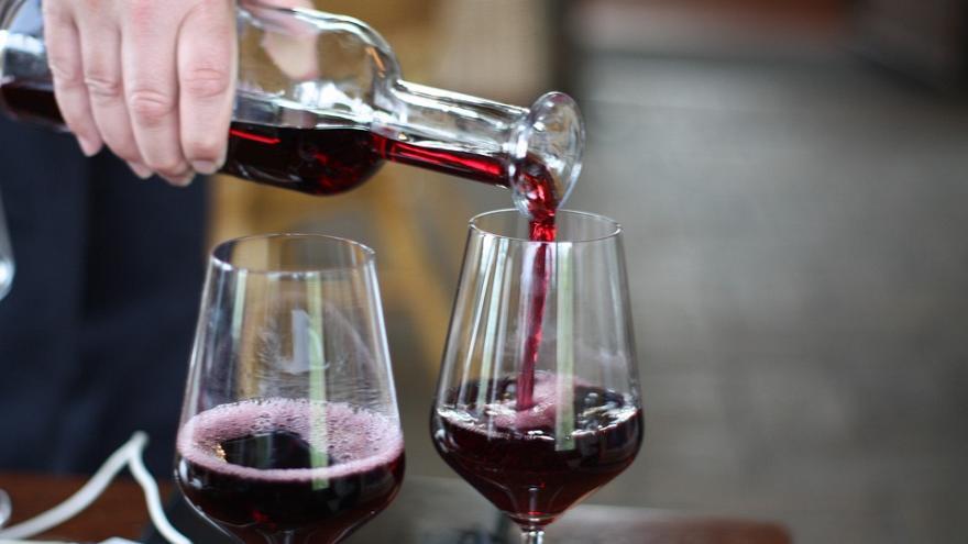 Французы должны сократить употребление алкоголя, считают представители здравоохранения