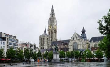 Пожар в Нотр-Дам — это «будильник» для бельгийских церквей